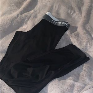 nike pro leggings size(s)